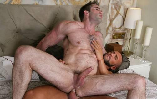 Jake Genesis e Donato Reyes]