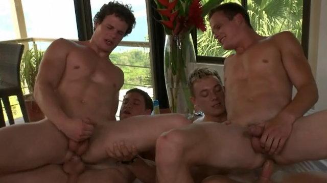 Dawson e Cain e os irmãos Liam e Luca]