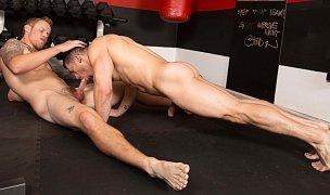 Sexo na academia - Shawn Reeve e Jeremy Spreadums