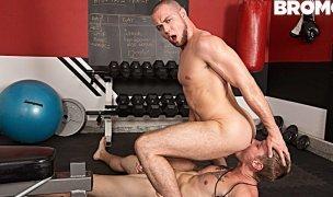 Sexo na academia -  Shawn Reeve e Brendan Phillips