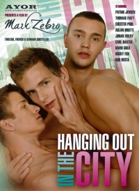 V�deos Gay - Hanging Out in the City